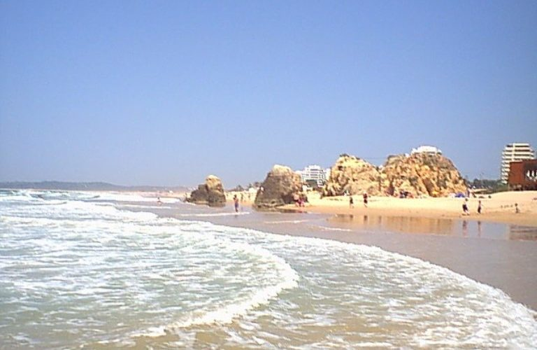 Algarve Golf, Beaches Zoo Marine, Water Parks, Restaurants and Shopping.